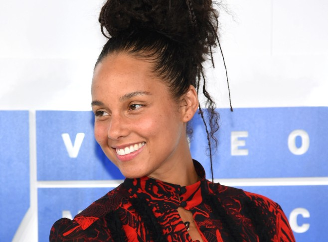 rs_1024x759-160829152830-1024-alicia-keys-fresh-faced-no-makeup-082916.jpg