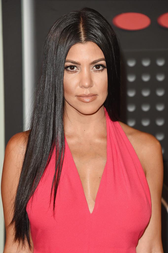 Kourtney+Kardashian+Long+Hairstyles+Long+Straight+DSL6Tcqimn4x